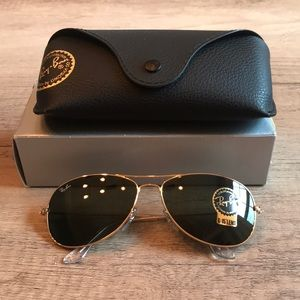 NWT: Ray-Ban Aviator Sunglasses Gold Frame